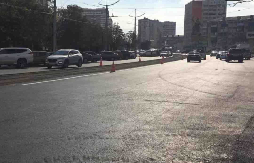 Недавно уложенный асфальт на проспекте Ленина не прошел экспертизу